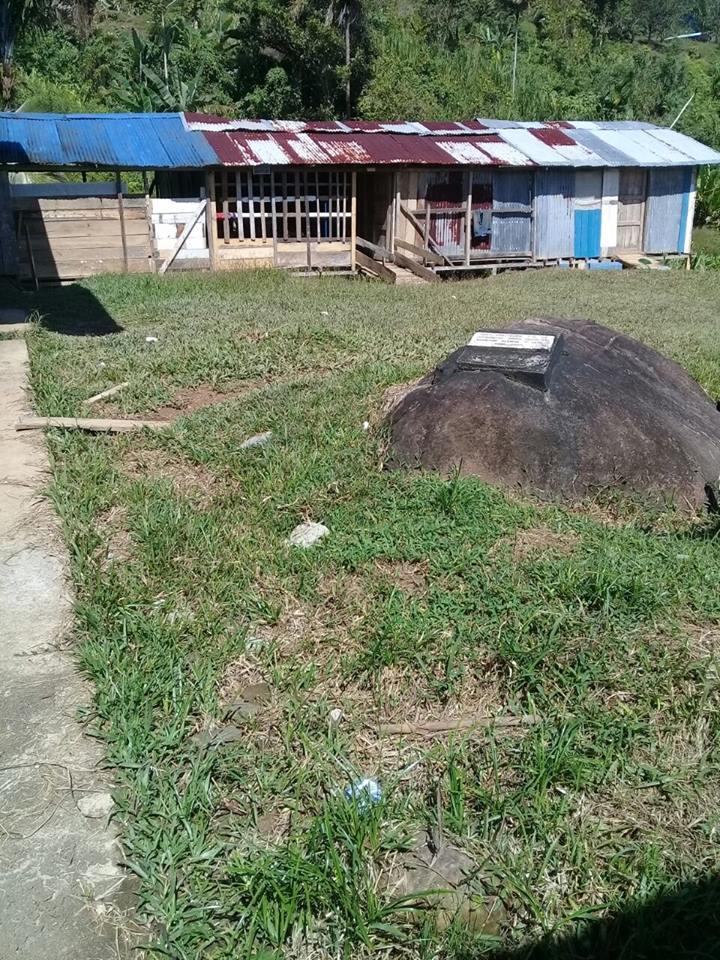 Escuela Valerio Flores de la comarca Ngobe Bugle en malas condiciones.