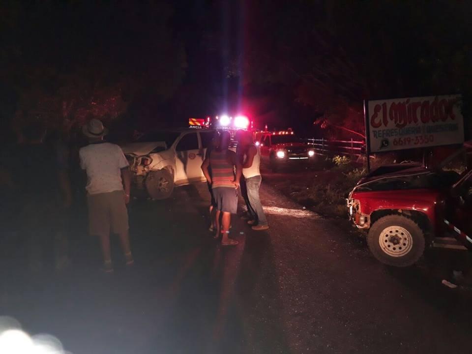 Accidente vehicular en el tramo carretero Santiago a Santa Fé.